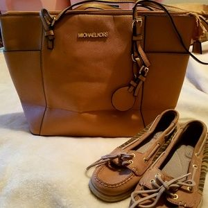 Purses & shoe sets